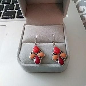 Jewelry - Beautiful silver earrings